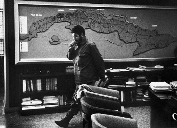 Ernesto Che Guevara: Socialismo es productividad más conciencia